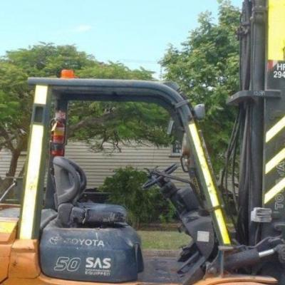 F3089: Used Toyota 5 Ton LPG Forklift With Side Shift For Purchase Or Hire