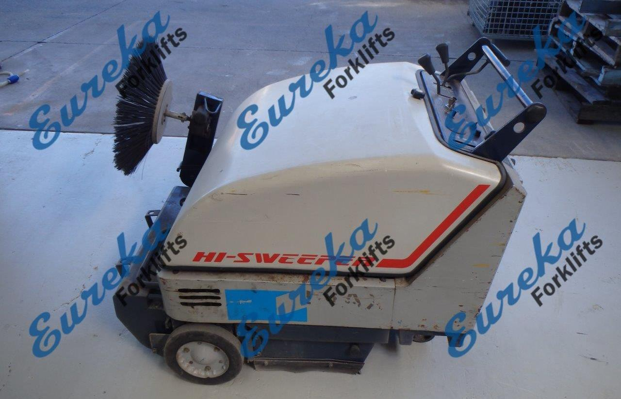 F3136: 2000 Toyota Hi-Sweeper