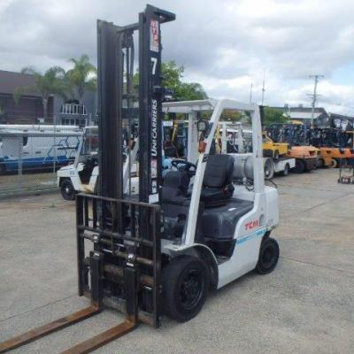 F3804: TCM – 2.5 TONNER WITH 4.5 MTR MAST LPG AND SIDE SHIFT