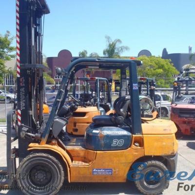 F3069: 2003 Toyota 02-7FG30 // 3 Ton LPG